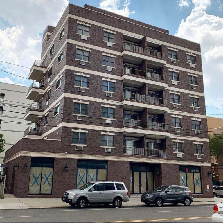 2103 31 first Ave                                                             Retail for Lease.                                                              Asking for $8000 1800 sq                                                                    Mario@hqcnyc.com